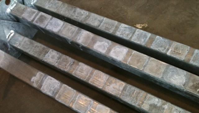 Taches de stockage humide sur métal